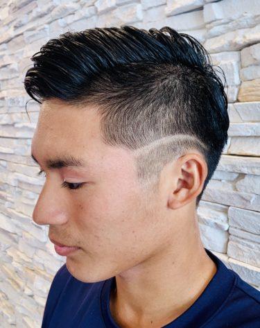 メンズにおすすめの髪型!個性的アシンメトリー&ライン【ショートヘア】